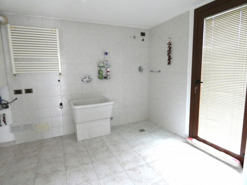 CASA SINGOLA ABITABILE SU LOTTO DI 1000MQ - https://media.gestionaleimmobiliare.it/foto/annunci/190530/2003431/800x800/009__p1030232.jpg