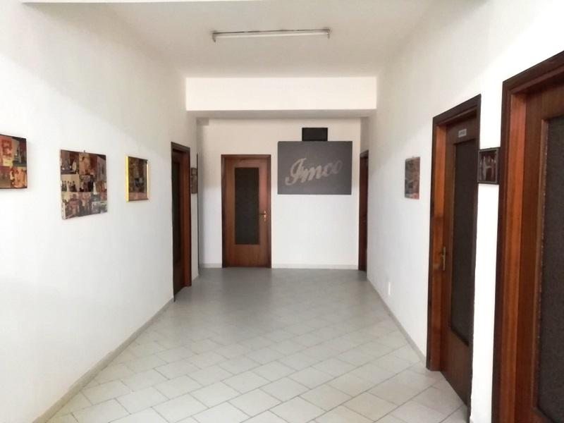 Magazzino in affitto a San Filippo del Mela, 5 locali, zona Zona: Olivarella, prezzo € 1.000 | CambioCasa.it