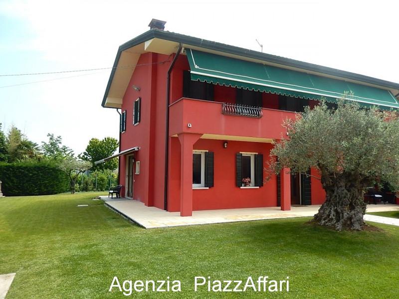 Casa Indipendente in ottime condizioni in vendita Rif. 10380553
