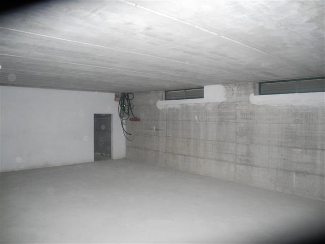 Negozio / Locale in affitto a Montevarchi, 9999 locali, zona Zona: Centro, prezzo € 1.900 | CambioCasa.it