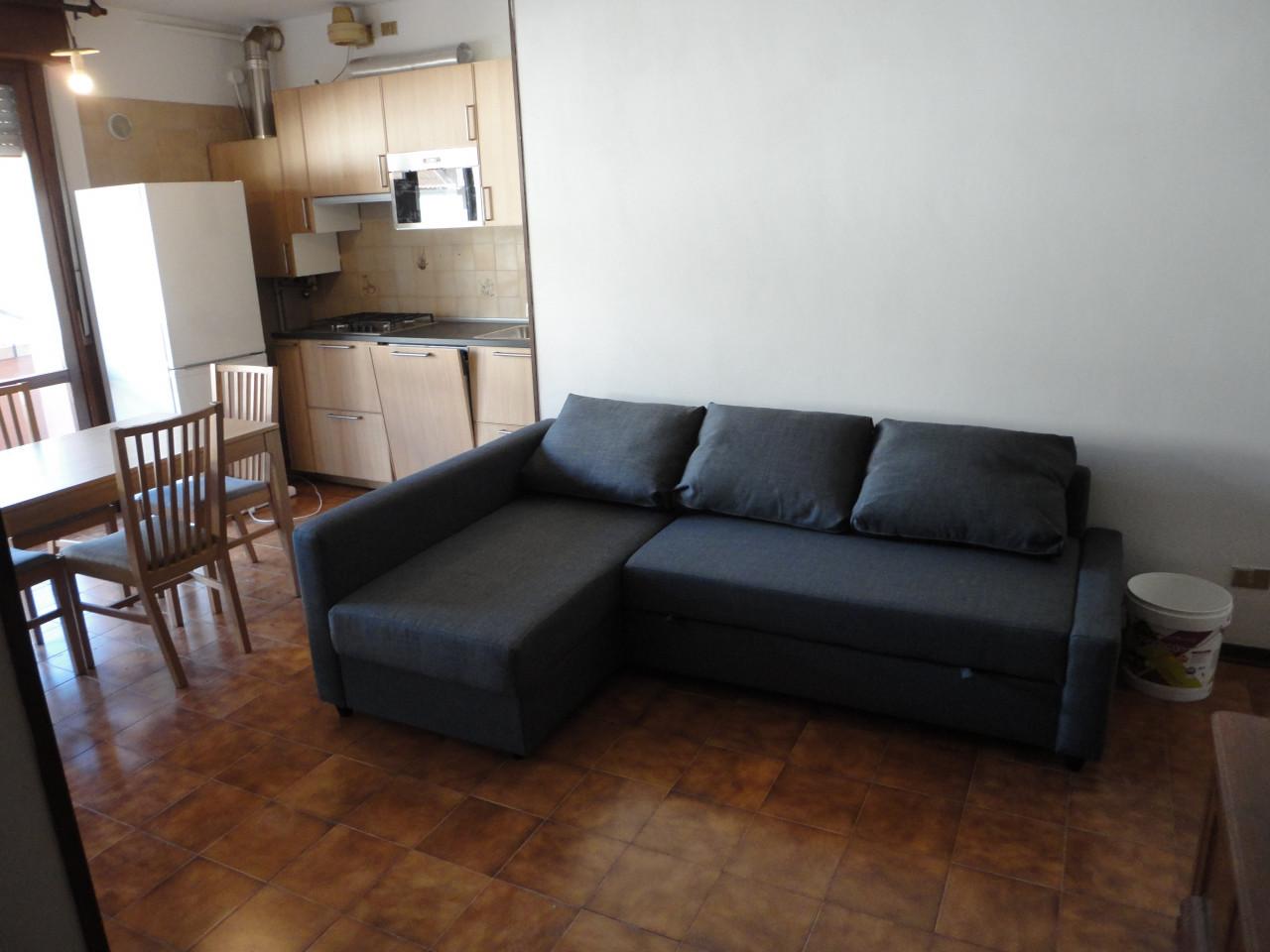 L495 Appartamento bicamere con terrazzo in affitto a Montegrotto Terme https://media.gestionaleimmobiliare.it/foto/annunci/190604/2014770/1280x1280/000__dsc04822.jpg