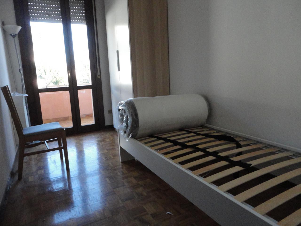 L495 Appartamento bicamere con terrazzo in affitto a Montegrotto Terme https://media.gestionaleimmobiliare.it/foto/annunci/190604/2014770/1280x1280/014__dsc04817.jpg