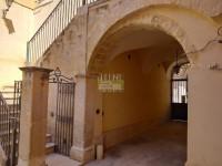palazzo in vendita Avola foto 017__20190603_104117.jpg