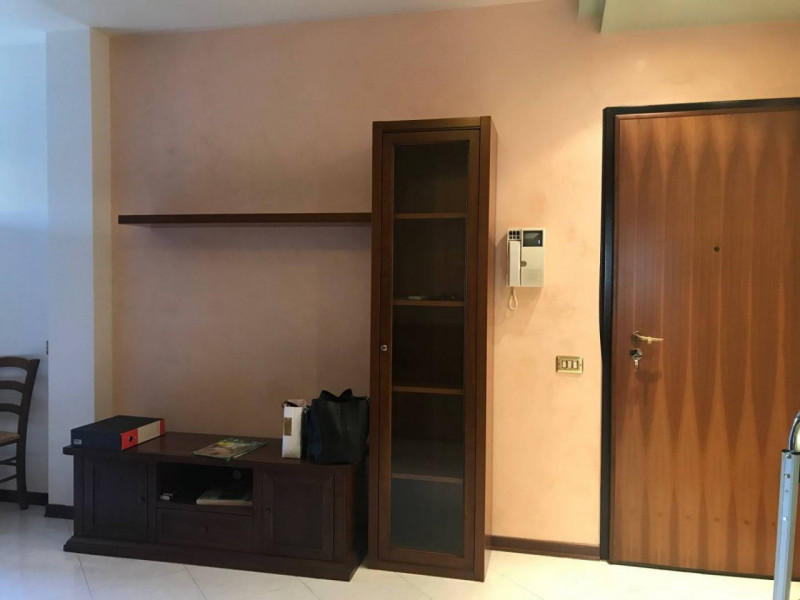 APPARTAMENTO ARREDATO IN CENTRO QUARTIERE - https://media.gestionaleimmobiliare.it/foto/annunci/190611/2017779/800x800/004__xxl-7.jpg
