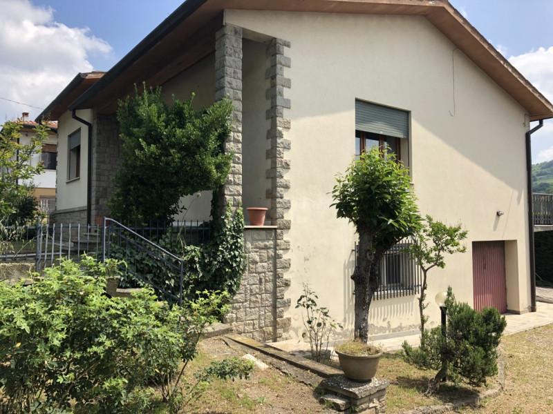 Casa Indipendente in buone condizioni in vendita Rif. 10430115