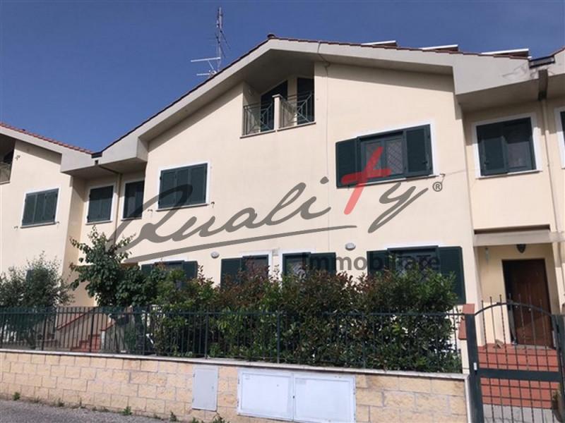 roma vendita quart: lunghezza gribaldi immobiliare s.r.l.