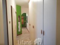 Via Leopardi: Trilocale con balcone/ terrazza in posizione centrale - con garage