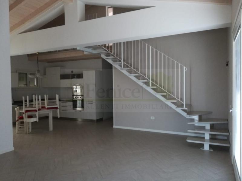 CASTEL GOFFREDO VILLA SINGOLA IN CLASSE A - https://media.gestionaleimmobiliare.it/foto/annunci/190614/2019908/800x800/001__alpha__16_wmk_0.jpg
