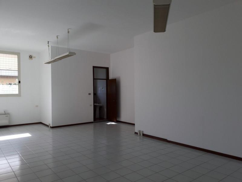 Appartamento in buone condizioni in vendita Rif. 10451788