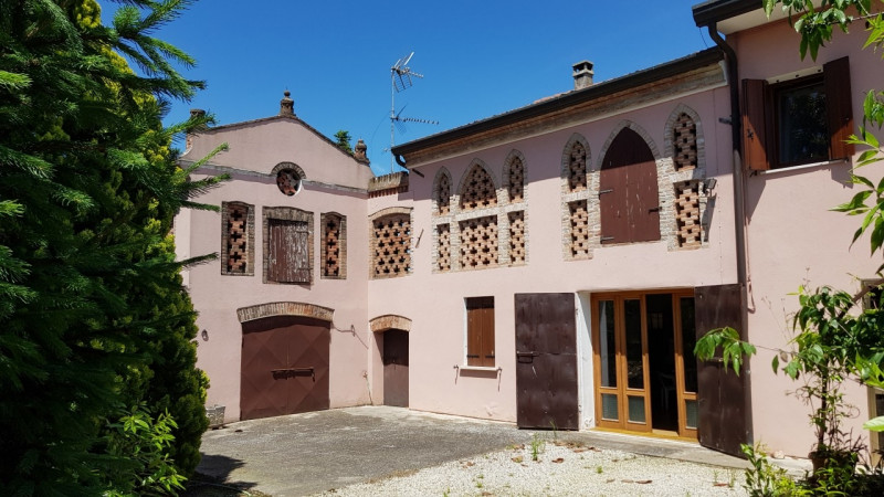 Villetta a schiera in buone condizioni arredato in vendita Rif. 10458960