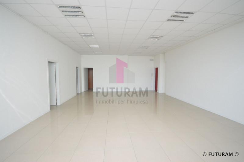 UFFICIO A TORRI DI QUARTESOLO - https://media.gestionaleimmobiliare.it/foto/annunci/190624/2024414/800x800/008__8_risultato.jpg