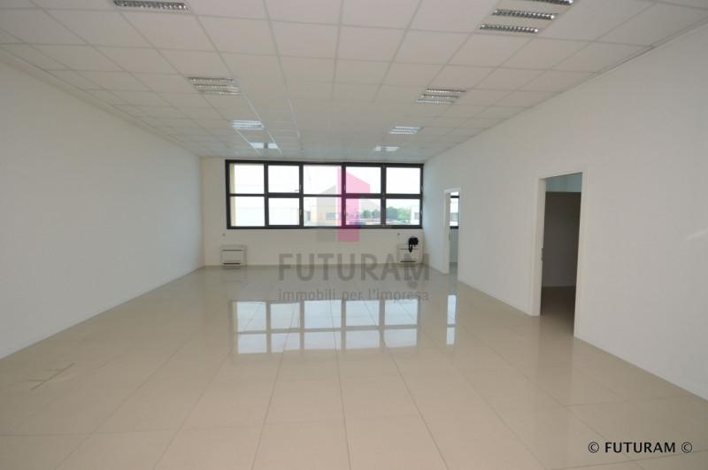 UFFICIO A TORRI DI QUARTESOLO - https://media.gestionaleimmobiliare.it/foto/annunci/190624/2024414/800x800/016__9g_risultato.jpg