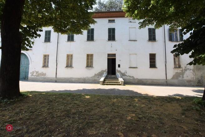 Villa in vendita a Frugarolo, 15 locali, zona Località: Frugarolo - Centro, Trattative riservate | CambioCasa.it