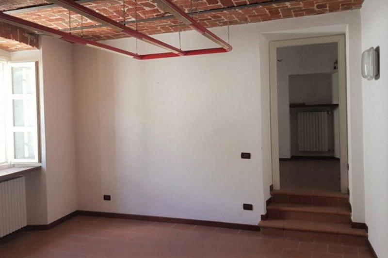 Appartamento in buone condizioni in vendita Rif. 10530557