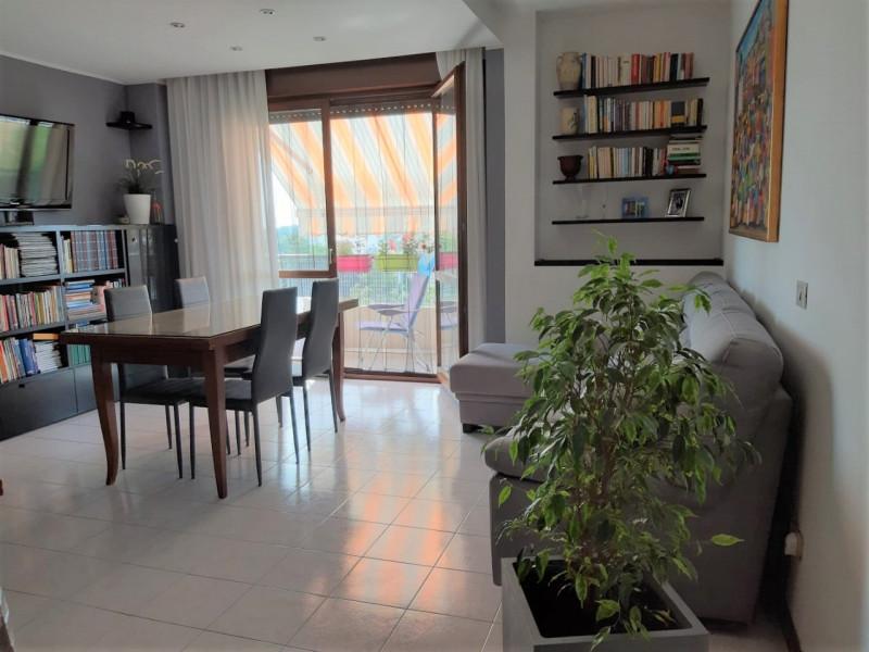 Appartamento in ottime condizioni in vendita Rif. 10565452