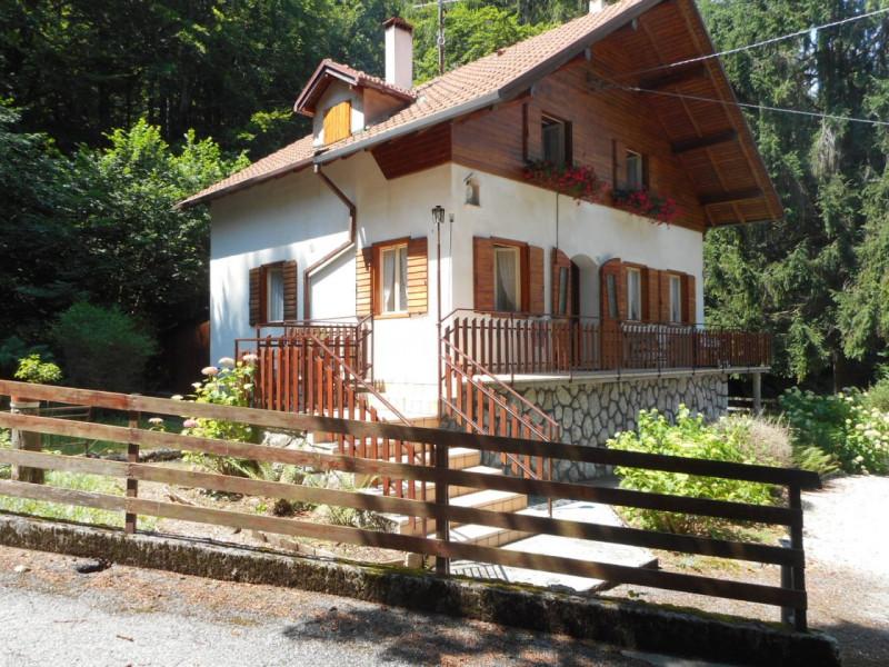 Villa in vendita a Tonezza del Cimone, 4 locali, zona Località: Tonezza del Cimone, prezzo € 180.000 | CambioCasa.it