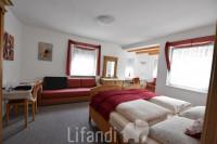 Vandoies di Sopra: Villa con piscina e 5 appartamenti utilizzabile come B&B