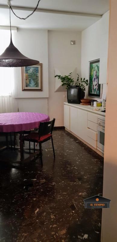 Appartamento in vendita a Vicenza, 4 locali, zona Località: Vicenza - Centro, prezzo € 95.000 | CambioCasa.it