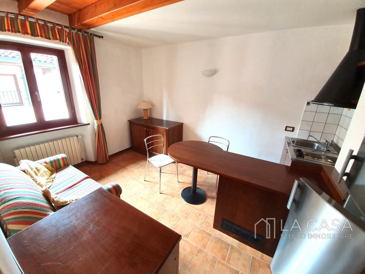 Appartamento in vendita in centro storico a Valvasone - Rif.A6 https://media.gestionaleimmobiliare.it/foto/annunci/190722/2035692/1280x1280/000__20190806_161601.jpg