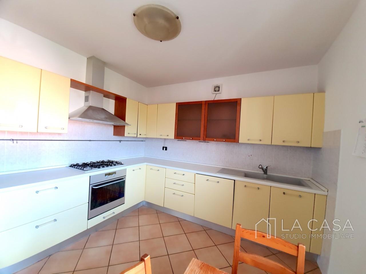Appartamento Tricamere in  vendita a San Giorgio delle Richinvelda - Rif. A26 https://media.gestionaleimmobiliare.it/foto/annunci/190730/2040920/1280x1280/004__20190722_160400_wmk_0.jpg