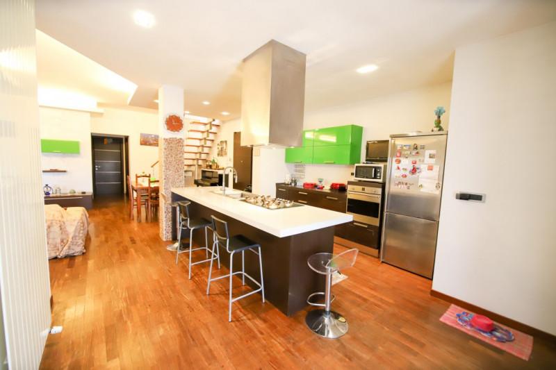 Appartamento in buone condizioni in vendita Rif. 10849549