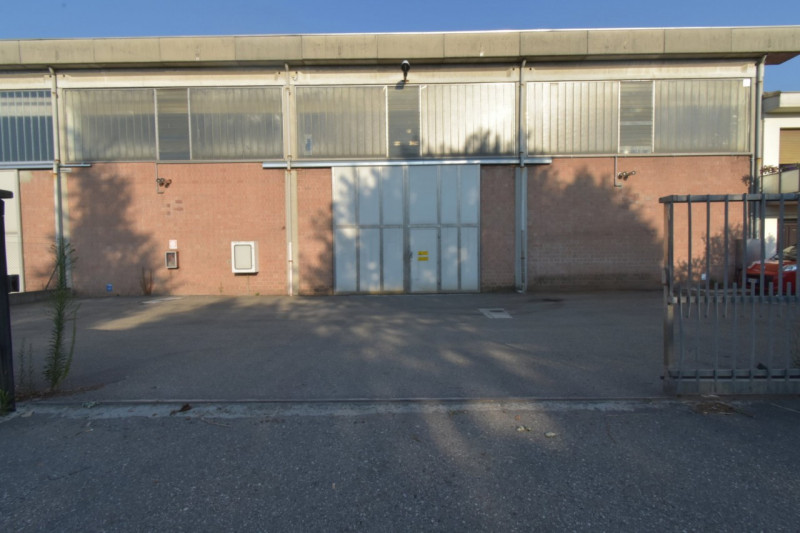 Magazzino - capannone in buone condizioni cercasi Rif. 11002731