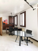Luminoso ufficio in palazzo storico a Montebelluna