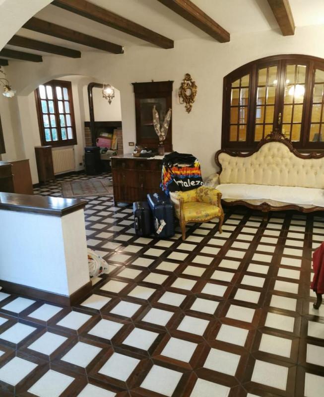 Casa Indipendente in buone condizioni in vendita Rif. 11033888