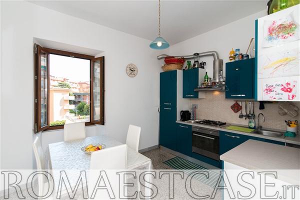 Appartamento in discrete condizioni in vendita Rif. 11117812