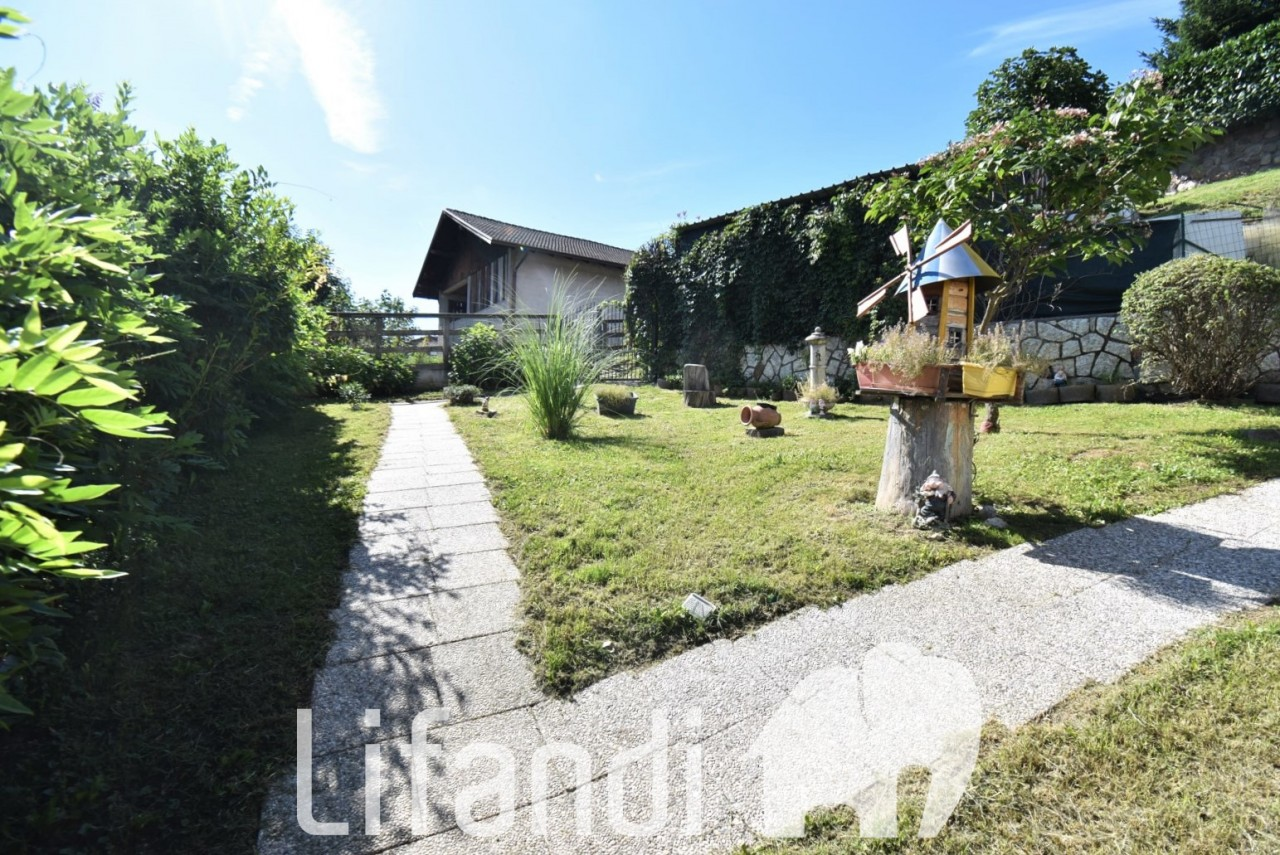Pergine, Costasavina: Casa a schiera con giardino privato
