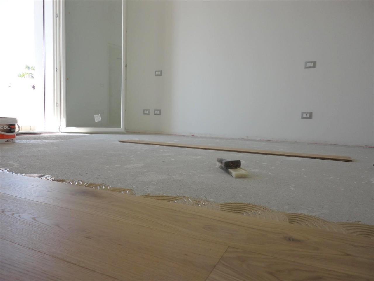 D278 Nuovo appartamento tricamere su due livelli in vendita ad Albignasego https://media.gestionaleimmobiliare.it/foto/annunci/190917/2070775/1280x1280/003__03_soggiorno.jpg