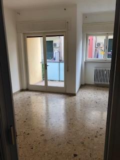 Appartamento in vendita a Vicenza, 4 locali, zona Località: Santa Bertilla, prezzo € 70.000 | CambioCasa.it