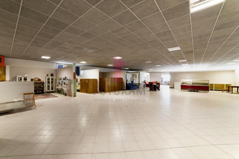 Capannone in vendita a Carmignano di Brenta - https://media.gestionaleimmobiliare.it/foto/annunci/190920/2072021/800x800/016__9c_risultato.jpg