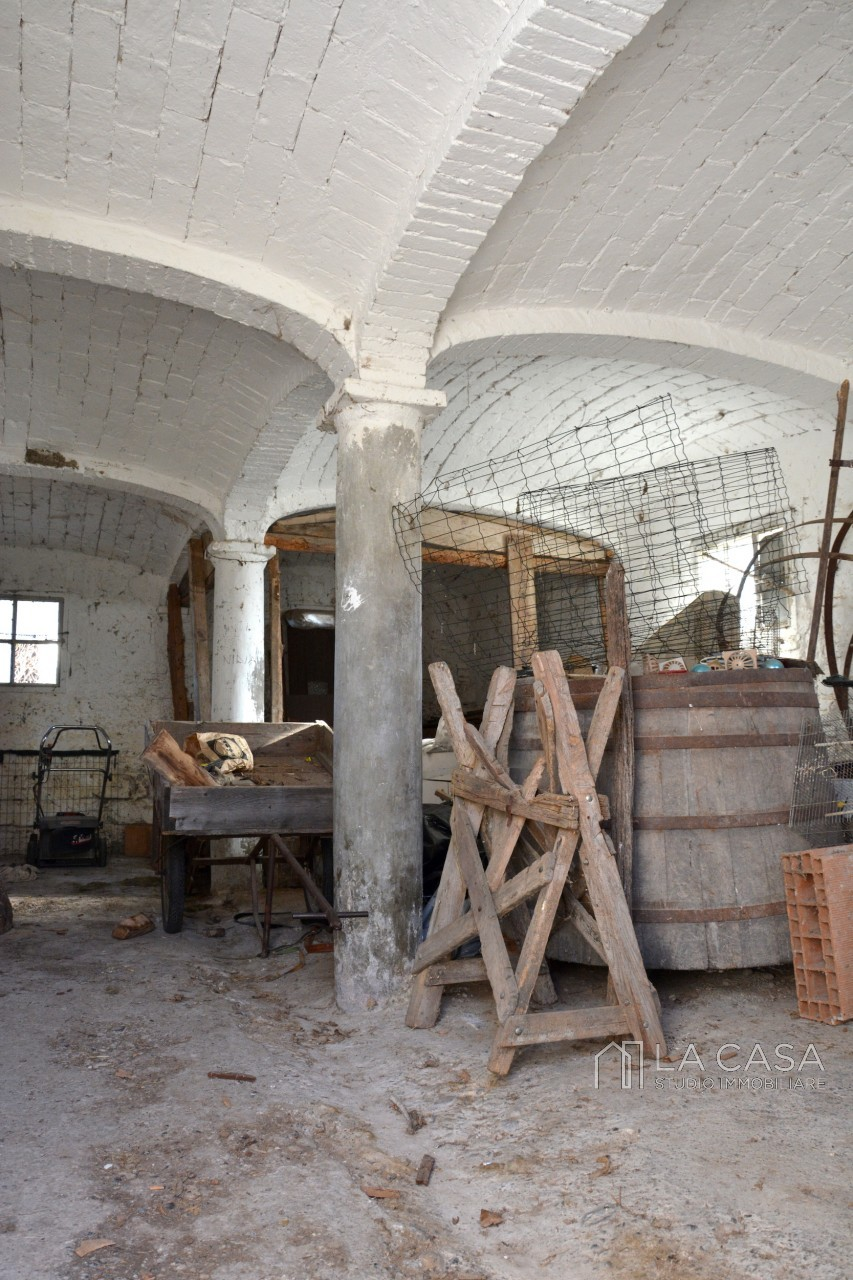 Intero rustico bifamiliare in vendita a San Giorgio della Richinvelda - Rif.B3 https://media.gestionaleimmobiliare.it/foto/annunci/190926/2073945/1280x1280/037__dsc_6877_wmk_0.jpg