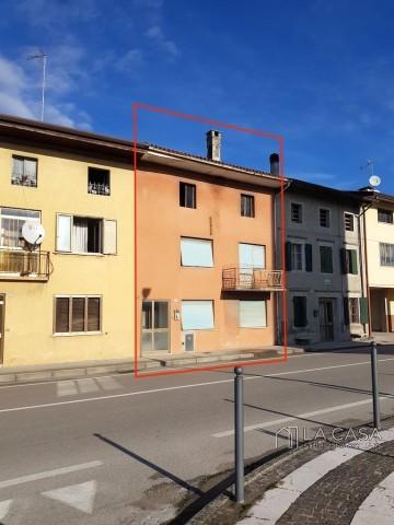 Rustico in Linea in Vendita a San Giorgio della Richinvelda - Rif.R12 https://media.gestionaleimmobiliare.it/foto/annunci/190926/2073960/1280x1280/000__n1518600502368042-20180204_102047.jpg
