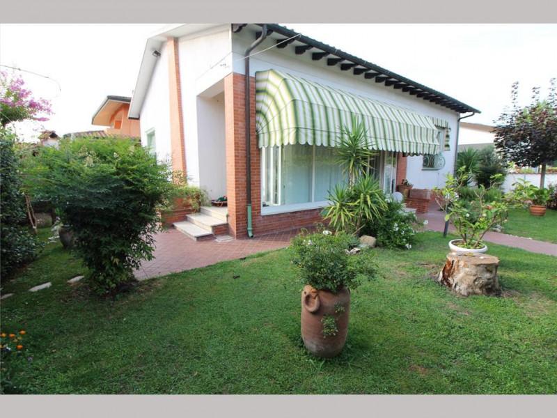 Villa da ristrutturare in vendita Rif. 11255599