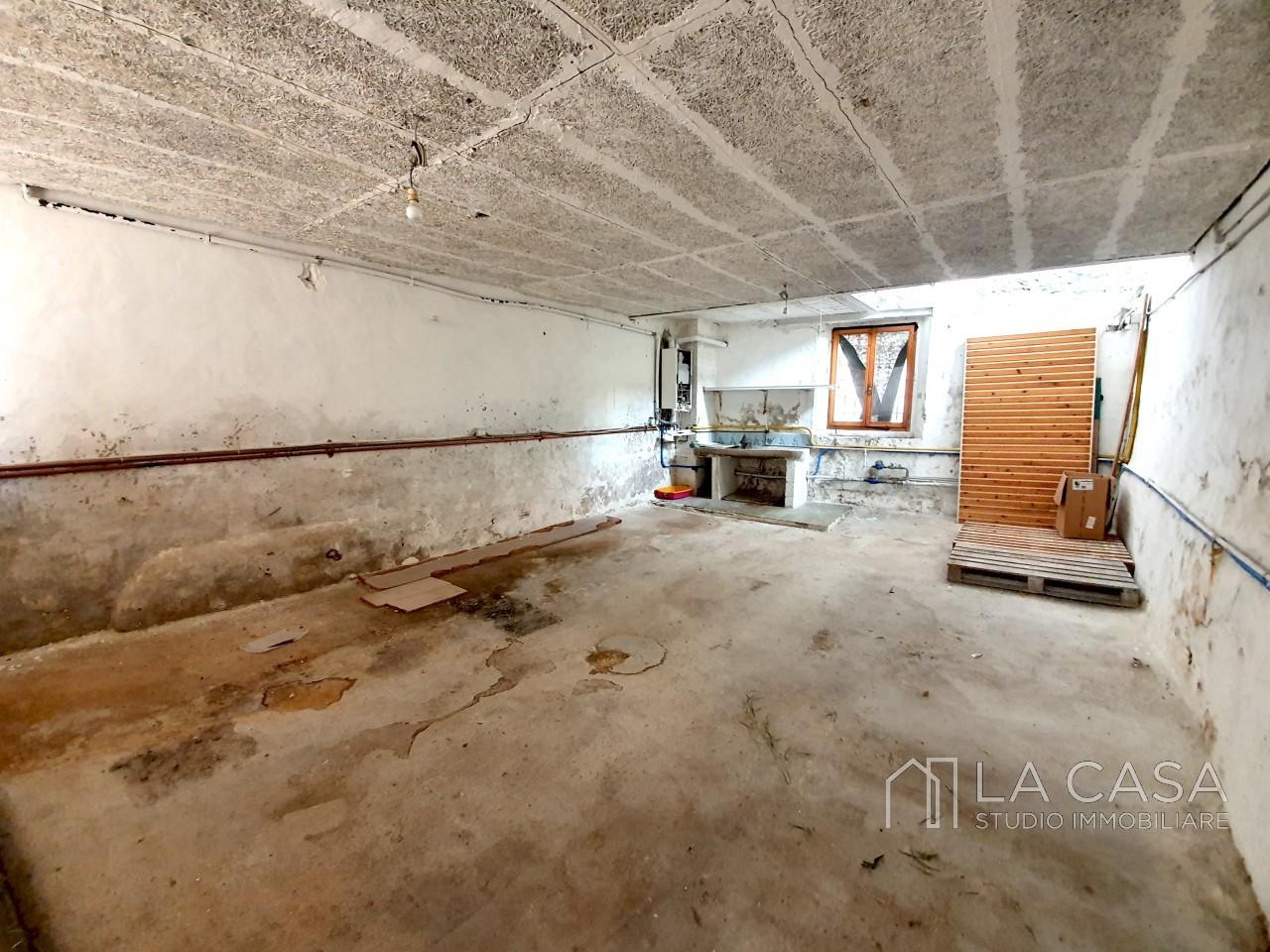 Negozio in vendita nel centro storico di Valvasone - Rif.N1 https://media.gestionaleimmobiliare.it/foto/annunci/191007/2078264/1280x1280/012__20191003_100346_wmk_0.jpg