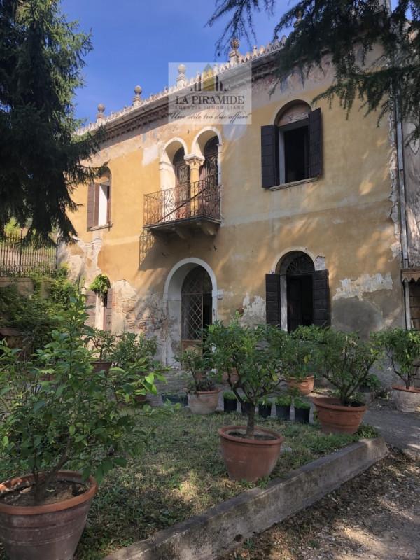 Villa da ristrutturare arredato in vendita Rif. 11298865