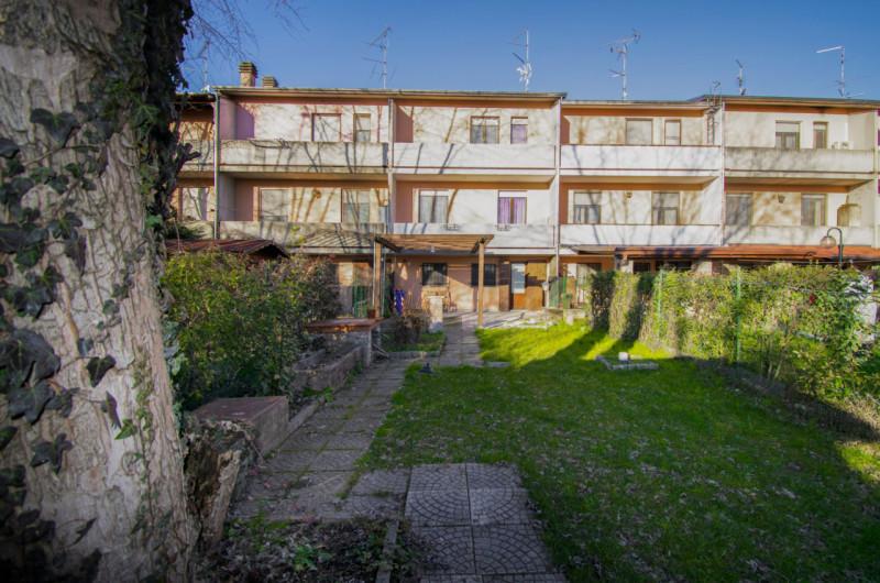 Villetta a schiera in ottime condizioni in vendita Rif. 12077085