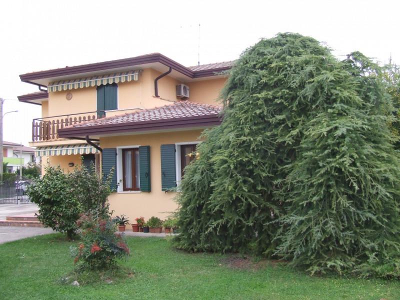 Casa Indipendente in ottime condizioni in vendita Rif. 11288819