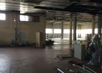 Capannone industriale con negozio e uffici