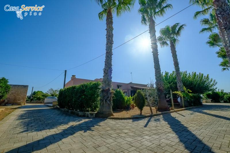 Villa in vendita a Sannicola, 8 locali, zona Località: Sannicola, prezzo € 359.000 | CambioCasa.it