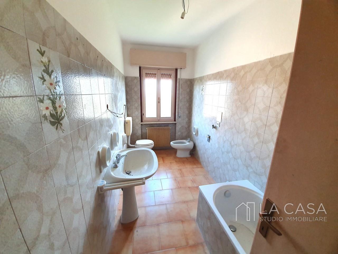 Appartamento Bicamere in Vendita a Casarsa della Delizia - Rif.A25 https://media.gestionaleimmobiliare.it/foto/annunci/191018/2085019/1280x1280/013__20191017_164809_wmk_0.jpg