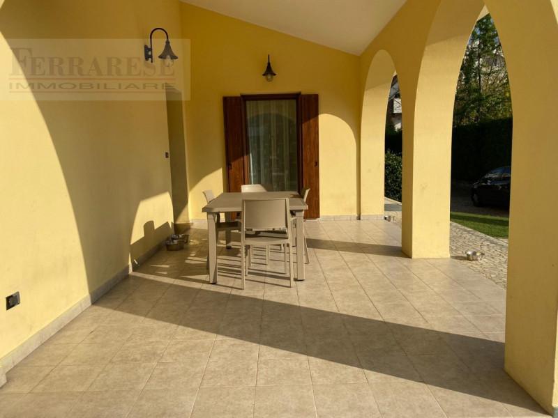 Villa in ottime condizioni in vendita Rif. 11382700