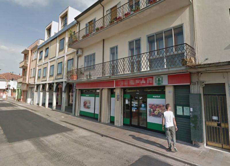 Negozio / Locale in vendita a Stanghella, 9999 locali, prezzo € 350.000   CambioCasa.it