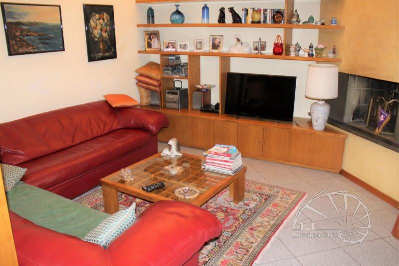 Casa Indipendente in buone condizioni arredato in vendita Rif. 11569322