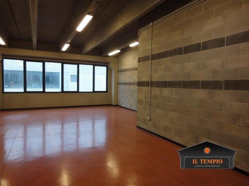 Laboratorio in affitto a Camisano Vicentino, 9999 locali, zona Zona: Santa Maria, prezzo € 460 | CambioCasa.it