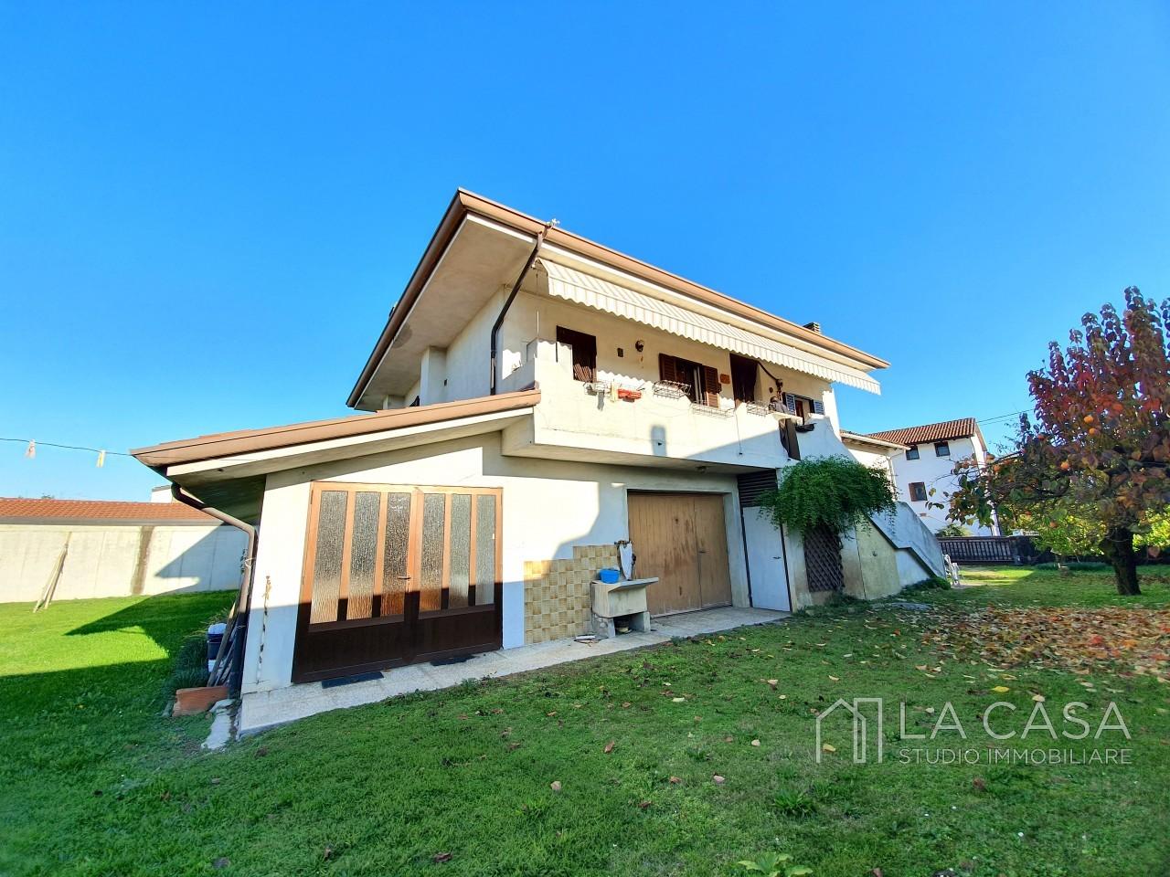 Casa Singola vicinanza centro Casarsa - Rif. C5 https://media.gestionaleimmobiliare.it/foto/annunci/191118/2110517/1280x1280/000__20191114_144708_wmk_0.jpg