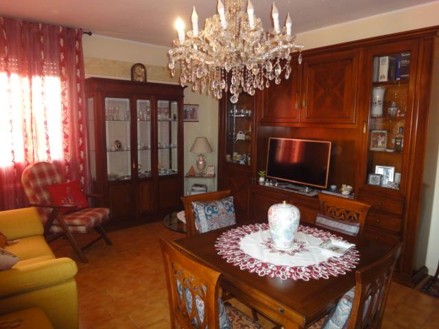 Appartamento in buone condizioni in vendita Rif. 11577209