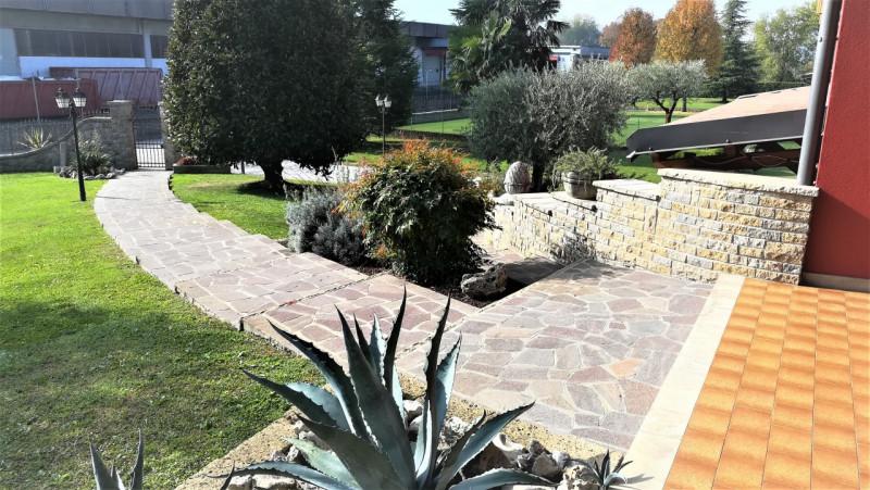 Villa in buone condizioni arredato in vendita Rif. 11586601